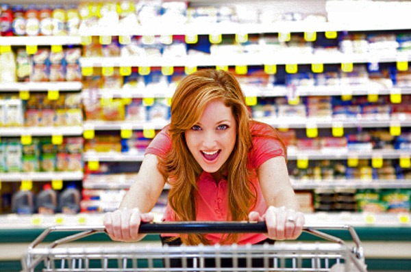 woman-grocery-shopping[1]