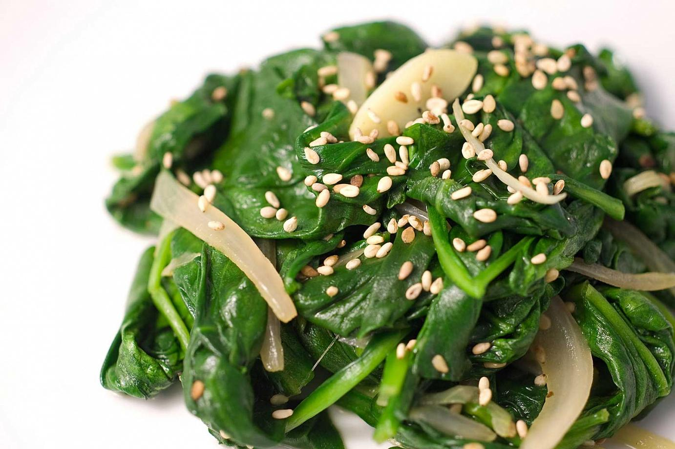Sauteed-Paleo-Spinach-with-Toasted-Sesame-Seeds[1]